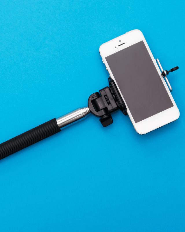 Selfie Sticks header
